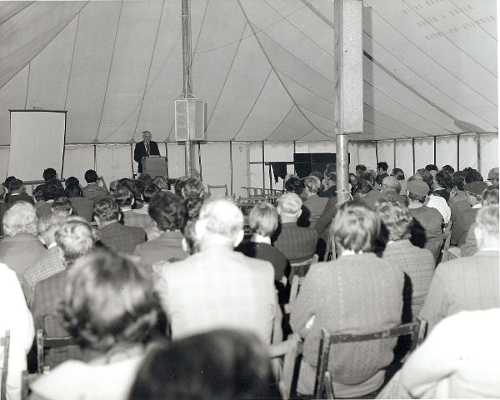 1977 Ogilvie Mathieson, Founder Member and Past President of the SVS chairs a session in the marquee